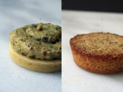 Up Fresh 160 Gram mini and pistachio frangipane cannelle et