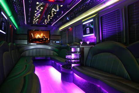 byob holiday lights tour chicago chrystal holiday lights byob limo coach tour cleveland