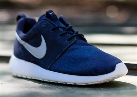 Nike Roshe Run by Nike Roshe Run Suede Quot Obsidian Quot Sneakernews