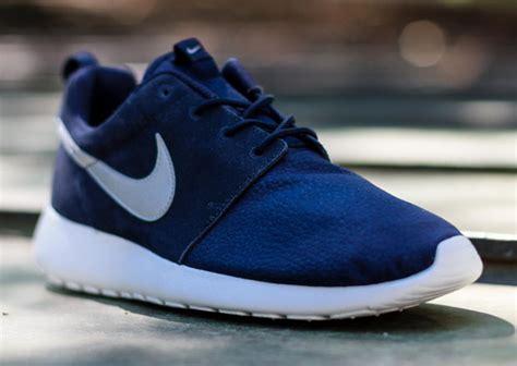 Nike Rosherun Bw nike roshe run suede quot obsidian quot sneakernews