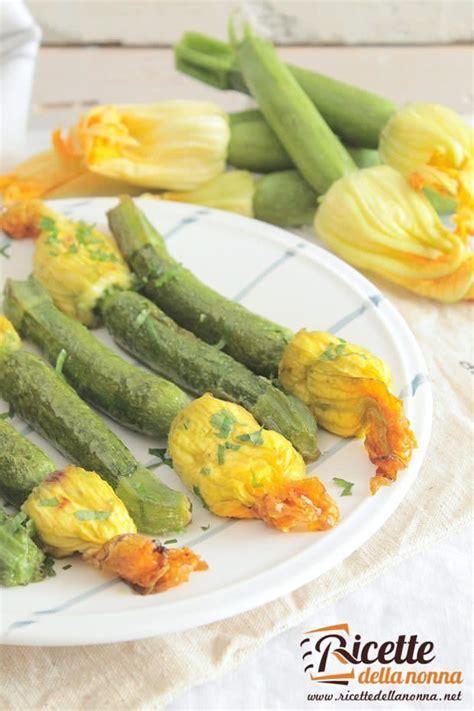 zucchine con fiore ricette zucchine mignon con il fiore al tegame ricette della nonna