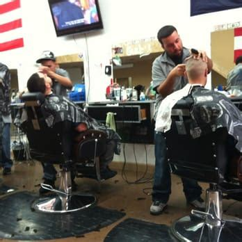 master haircuts in chicago moca master cuts barbers humboldt park chicago il