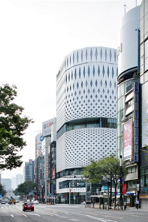 designboom tokyo klein dytham applies patterned fa 231 ade to tokyo s ginza place