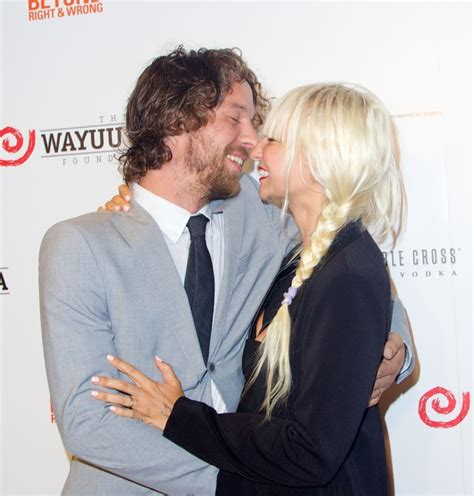 chandelier singer quot chandelier quot singer sia marries erik anders lang stupid
