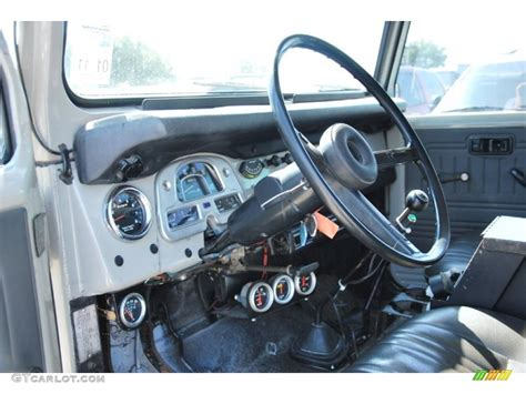 classic land cruiser interior toyota land cruiser fj40 interior image 73