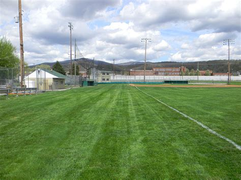 Backyard Football Stadium by 100 Backyard Football Stadium Backyard Soccer