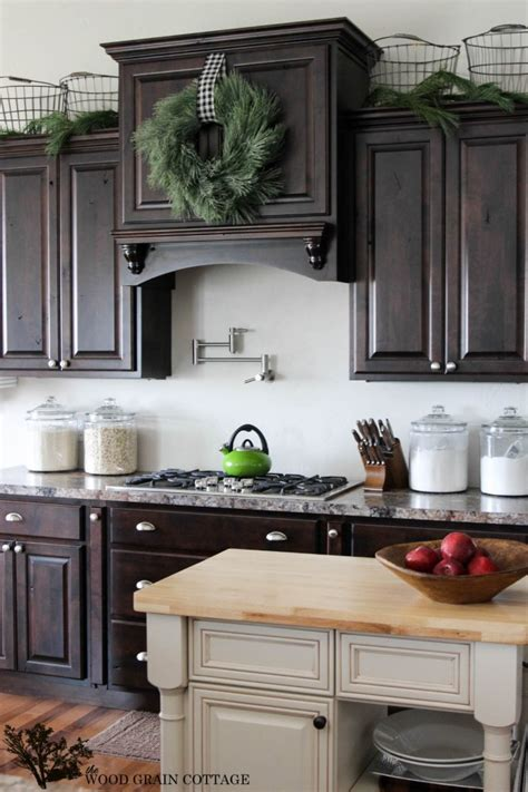 range hood christmas decorating ideas how to make a wreath from garland the wood grain cottage