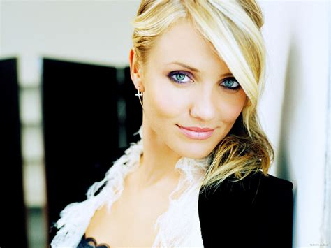 How Is Cameron Diaz by Cameron Diaz Pictures Photo Gallery Wallpapers