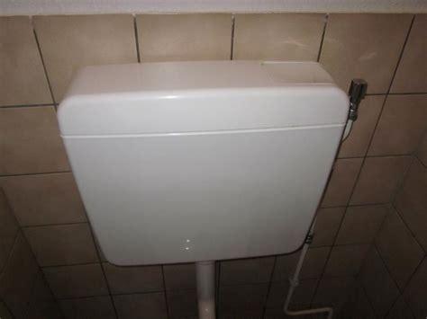 stortbak wc werking nieuwe stortbak plaatsen werkspot