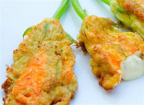 ricetta per fiori di zucca fritti fiori di zucca ripieni iliopesca