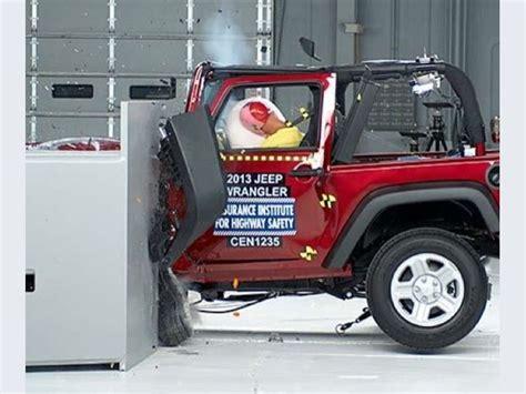 Jeep Wrangler Crash Test Foto Jeep Wrangler 2013 Crash Test Small Overlap Iihs 2013