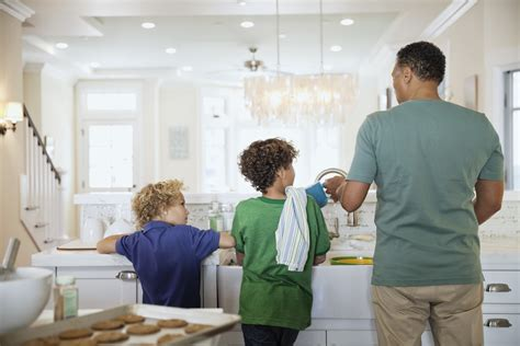 couples are better at household chores responsibilities instinct