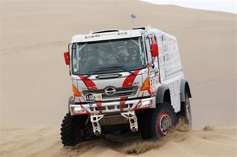 Kaos Deker M 16 hino 700 truck kaos bis