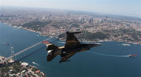 can you give a turkey mods can you change the galata tower photo with an f 16 photo like this one just for