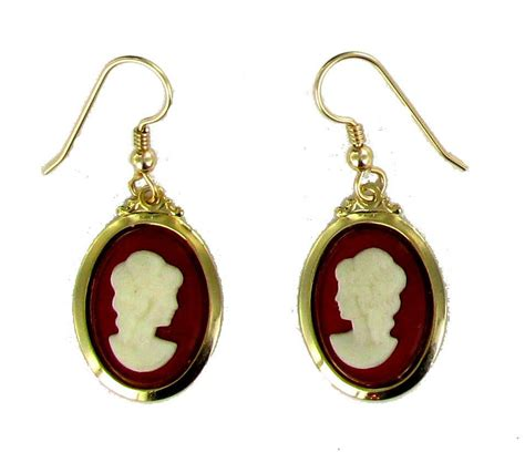 vintage cameo earrings from the 1950s