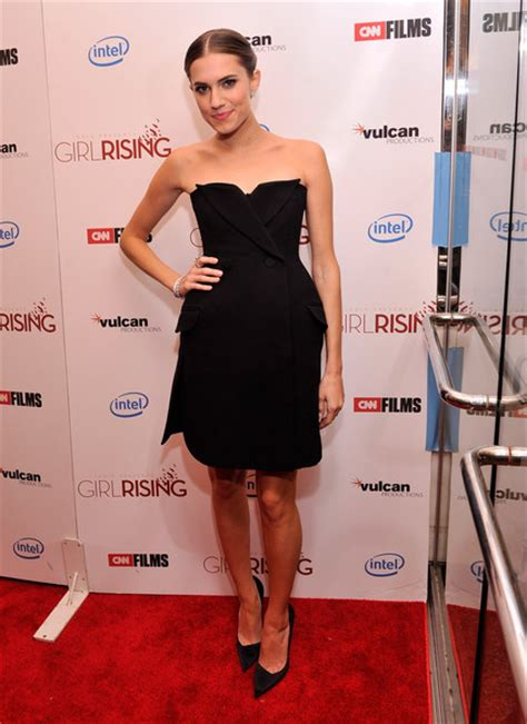 allison williams  black dress allison williams