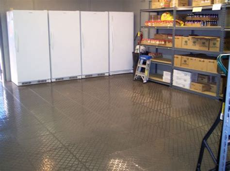 Plastic Garage Floor Tiles Norsk Raised Pvc Multi Purpose Interlocking Tiles Installed Www Norsk Stor Norsk