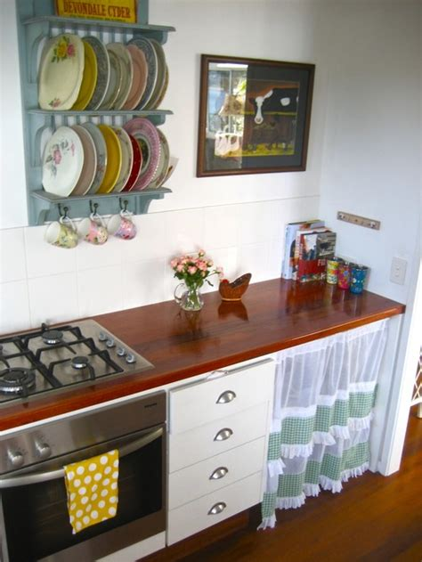 vintage decorating ideas for kitchens frugal with a flourish 10 ways to display dishes