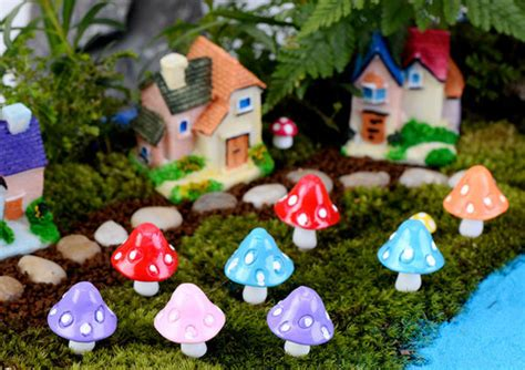 2017 miniature figurines garden gnomes - Garden Crafts To Make And Sell