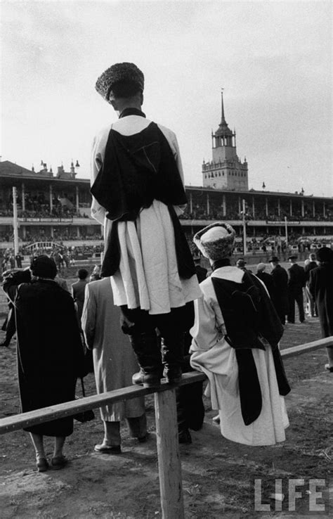 A Day At the Races in Russia, 1940s ~ vintage everyday