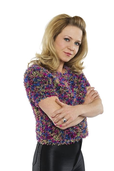 Lindya Pant picture of kellie bright