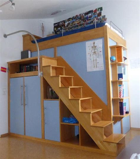 hochbett mit integriertem schrank hochbett mit treppe und schrank beste bildideen zu hause