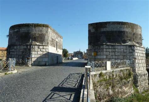 porta di capua porta di capua o torri di federico ii italien anmeldelser