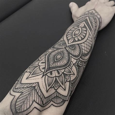 tattoo mandala melbourne mandala tattoo by elisa de bellard tattoos pinterest