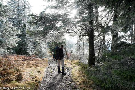 hütte im winter westweg winter wanderung etappe 4 unterstmatt
