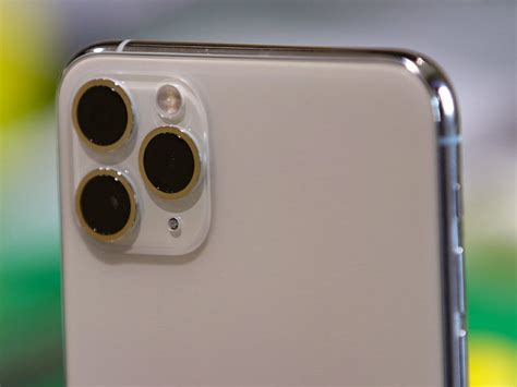 apple iphone  series camera details surface