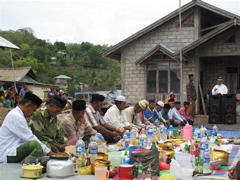 Kebuntuan Demokrasi Lokal Di Indonesia tradisi adat dan kearifan lokal dalam dunia perikanan di indonesia wwf indonesia