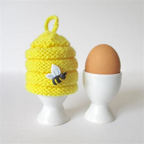 knitted egg cosy pattern beehive egg cosy knitting pattern by amanda berry