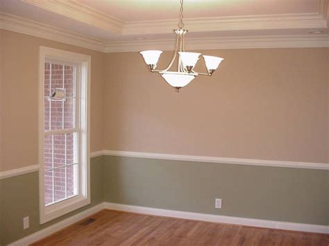 two tone dining room paint best 20 chair railing ideas on pinterest two tone walls