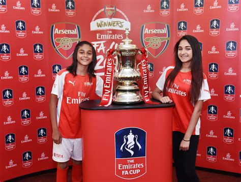 emirates cup arsenal brings the emirates fa cup to dubai realnews