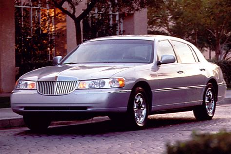 how cars run 1998 lincoln town car user handbook 1998 02 lincoln town car consumer guide auto