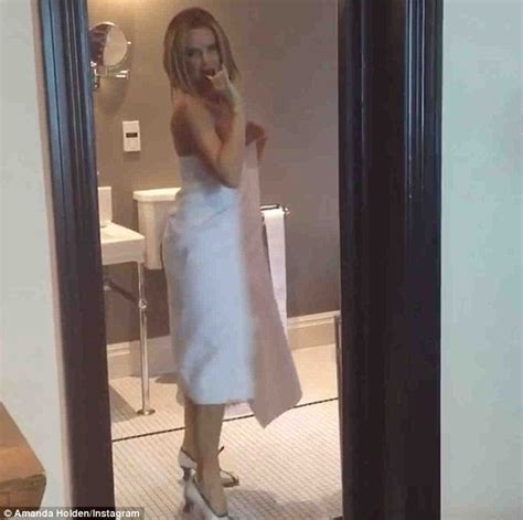 Attractive One Way Mirror Bathroom #5: 3240592B00000578-3495367-Mover_and_groover_Amanda_Holden_proved_she_s_not_a_one_trick_pon-a-35_1458144813624.jpg