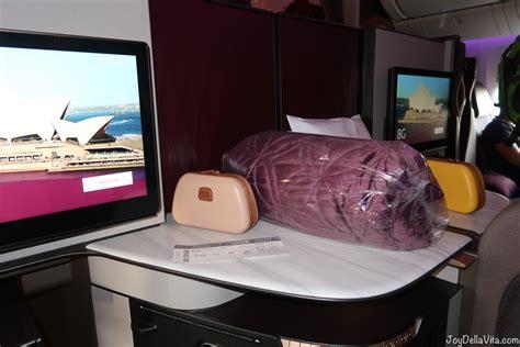 qatar airways qsuite flight review doha canberra qr boeing  er qsuite business