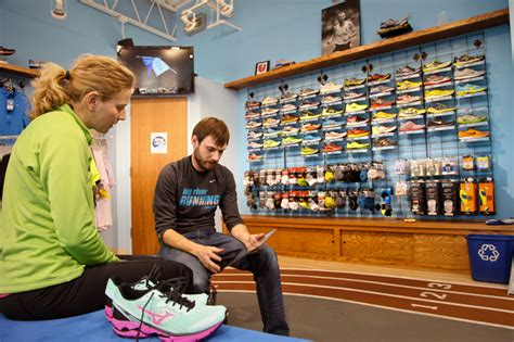 specialty running shoe store 10 reasons to shop at running specialty stores