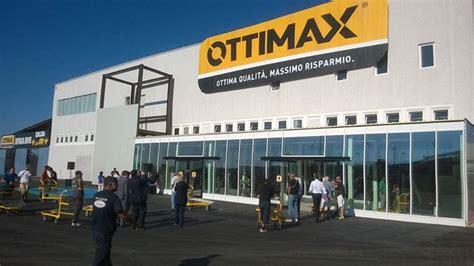 afragola le porte di napoli apre ad afragola na il secondo punto vendita ottimax