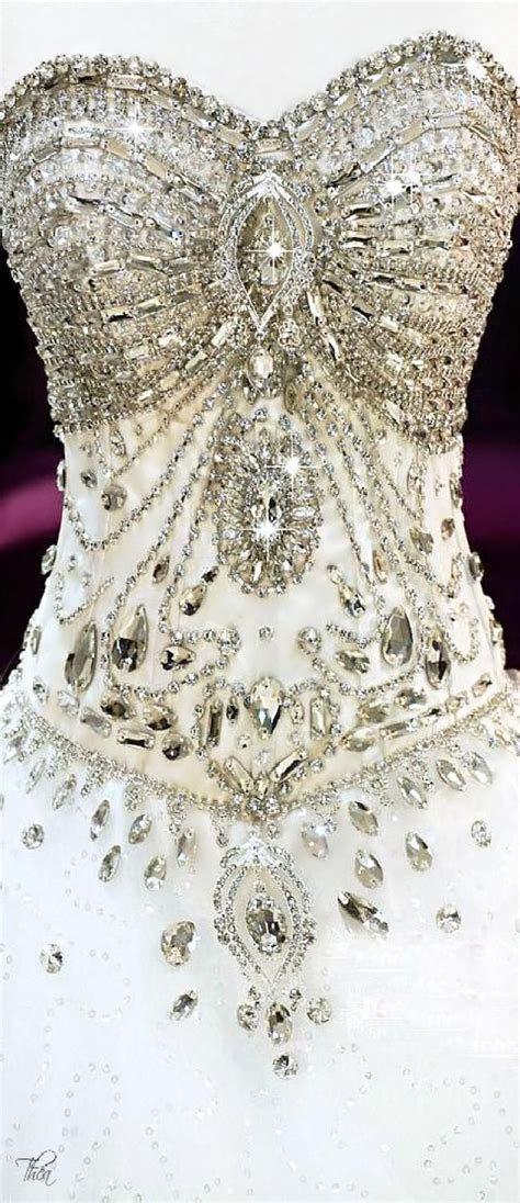 hochzeitskleid corsage glitzer die besten 25 hochzeitskleid glitzer ideen auf pinterest