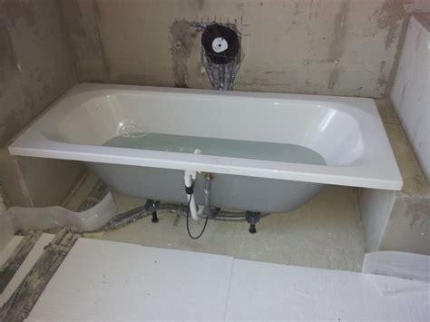 badewanne montage badewanne installieren energiemakeovernop