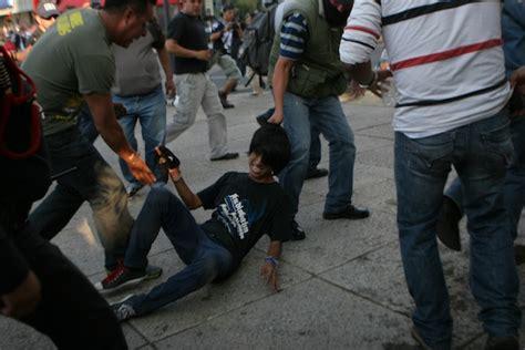 los anarquistas de long los anarquistas atacan y la sspdf responde peor con polic 237 as ilegales vestidos de civil y