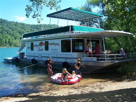 boat crash raystown lake houseboating basics for first timers