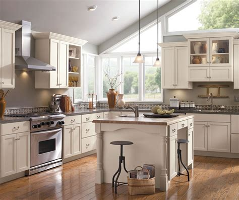 schrock kitchen cabinets painted kitchen cabinets schrock cabinetry