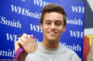 fame tom daley books tom daley fans queue overnight for olympic bronze