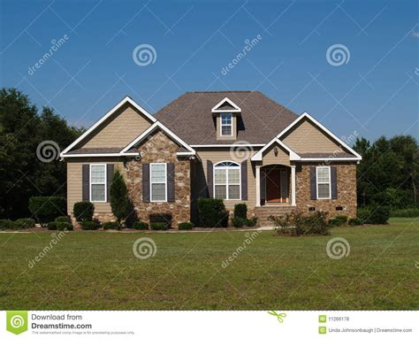 single story homes on tile single story and vinyl residential home stock photo image of real contemporary 11266178