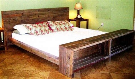 Cozy Pallet Headboard Ideas   Pallet Ideas: Recycled / Upcycled Pallets Furniture Projects.
