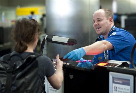 Homeland Security Background Check Tsa Checks Passenger Identity Homeland Security