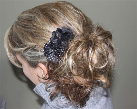 hairstyles for overnight curls fancy five minute hairstyle using overnight sock bun curls