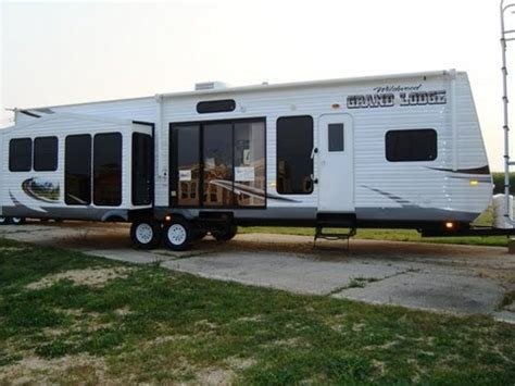 2 bedroom trailers for sale 2 bedroom travel trailers for sale rooms